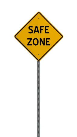 A yellow road warning sign isolated on white. Includes clipping path. 版權商用圖片 - 17924612