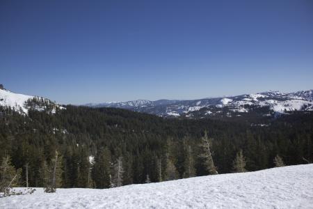 The Sierra Nevadas in the winter at Castle peak. 版權商用圖片 - 18144381