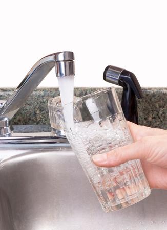 grifo agua: Grifo del lavabo del agua