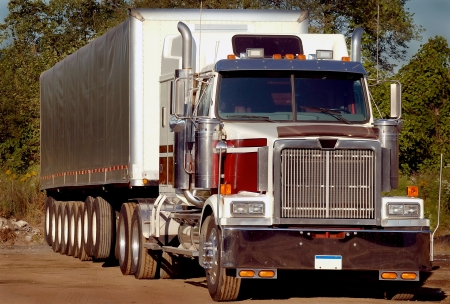 18 wheeler: Steel Coil Trucking