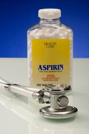 アスピリン、心臓の健康のための 1 日 写真素材
