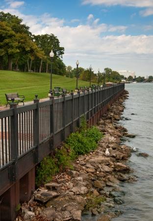 ミシガン州デトロイト川沿い公園