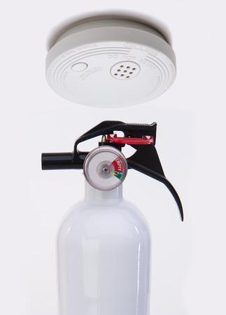 Détecteur de fumée avec alarme pour la sécurité incendie Banque d'images - 44104897