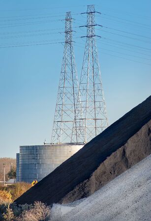 Towering power lines for local electricity services Imagens - 131842478