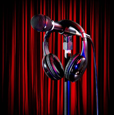 Live on colorful stage lights singers microphone and headset Foto de archivo - 138396095