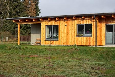 Tuin houten huis Stockfoto