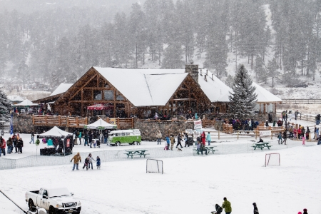 2013 Winter Festival at Evergreen Lake, Colorado; Families gather for the winter fest. Stock Photo - 18046109