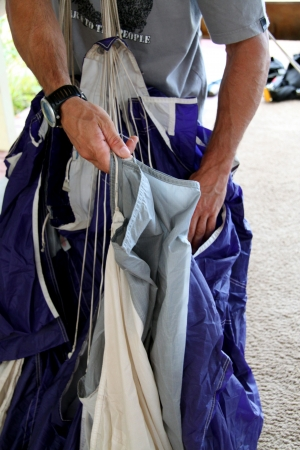 packing a parachute