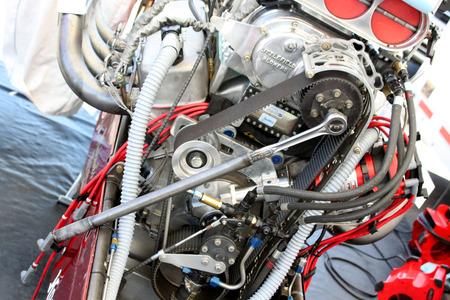 モーター エンジンをレンチします。 写真素材 - 43177094