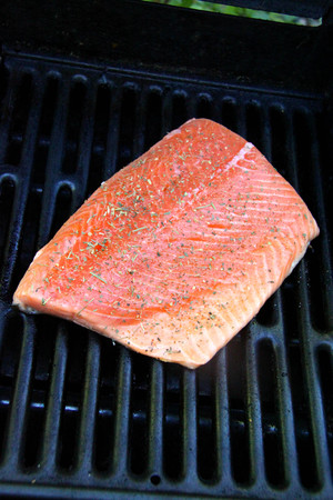 grilled salmon steak with herbs cook