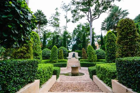 path cottage garden:  Green Garden beautiful park