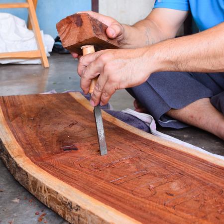 tallado en madera: Carpinter�a, talla de madera