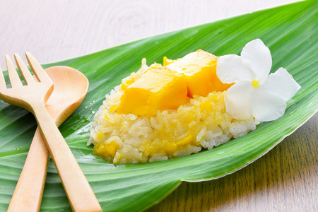 thai dessert: Mango sticky rice,thai food (Thai dessert) Stock Photo