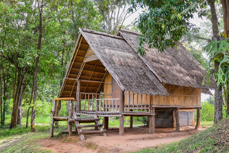natural materials: House made of natural materials in the countryside.