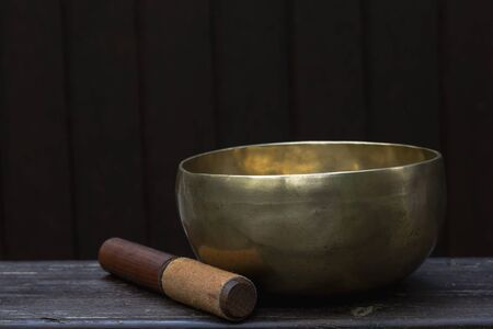 Singing bowl made of seven metals Standard-Bild