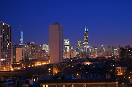 Chicago Skyline at Night Редакционное