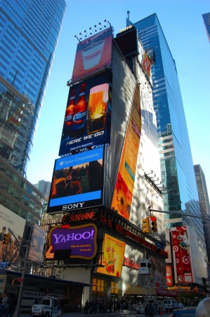 Times Square Billboard in New York City Редакционное