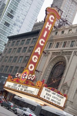 theater sign: Teatro de Chicago sesi�n en la noche