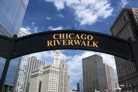 aon: Chicago Riverwalk in Downtown Chicago, Illinois