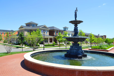 cape cod style: Fountain in a Beautiful Neighborhood