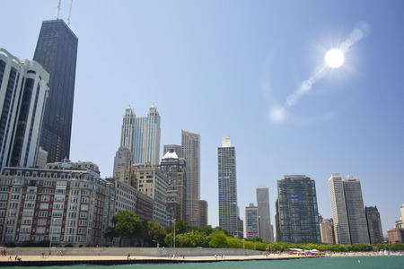 Chicago's Oak Street Beach Shoreline on a Beautiful Summer Day Фото со стока - 31505676