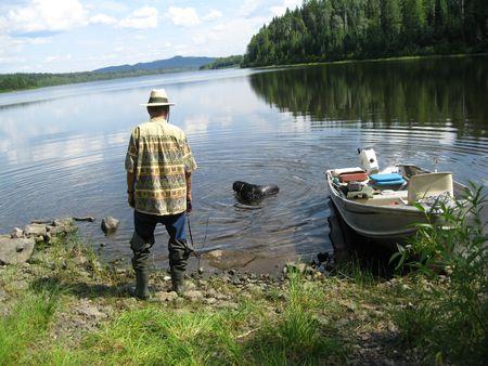 L'amarrage du bateau et le chien Banque d'images - 5330657