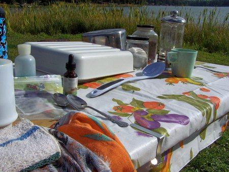 suppertime: Camping table