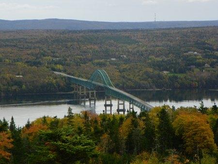 turqoise: Bridge in Ontario in the autumn