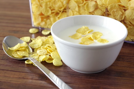 corn flakes: Healthy meal with corn flakes and yoghurt Stock Photo