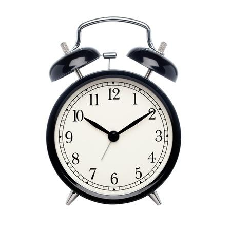 despertador: Reloj de alarma negro aislado en blanco