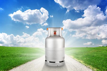 Gas container in groen natuur concept van schone energie Stockfoto