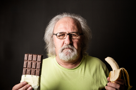 Diet choices: healty or unhealthy food 版權商用圖片