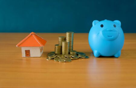Money Saving Ideas for Homes, Financial and Financial Ideas, Saving Money in Preparing for the Future, Growing Up of Coins– stock image