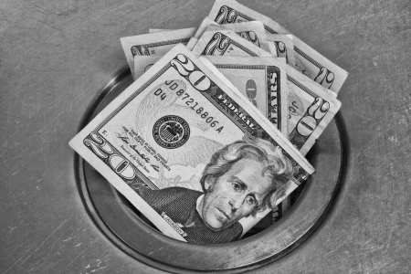escurrir: Money Down the Drain - como lavado de dinero por el desag�e Foto de archivo