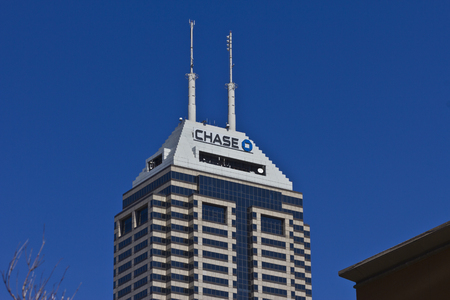 Indianapolis - Circa March 2016: Chase Bank. Chase is the U.S. Consumer and Commercial Banking Business of JPMorgan Chase I Publikacyjne