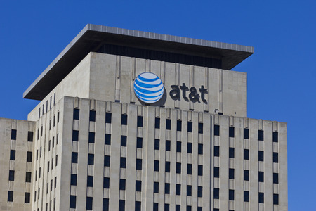 Indianapolis - Circa March 2016: AT&T Indiana Headquarters. AT&T Inc. is an American Telecommunications Corporation VI 報道画像