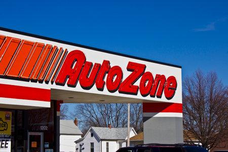 Indianapolis - Circa March 2016: AutoZone Retail Store. AutoZone is a Retailer and Distributor of Automotive Parts III Sajtókép