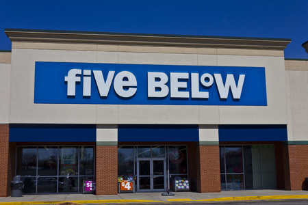 gag: Indianapolis - Circa March 2016: Five Below Retail Store. Five Below Caters to Teens and their Parents I Editorial