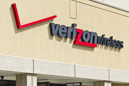 Indianapolis - Circa April 2016: Verizon Wireless Retail Location. Verizon is One of the Largest Communication Technology Companies I Editorial