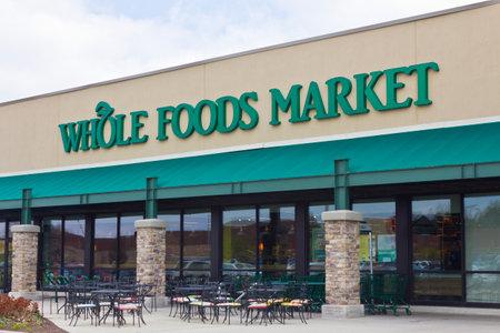 インディ アナポリス - 2016 年 4 月頃: ホールフーズ マーケット、アメリカの健康食料品店私 報道画像