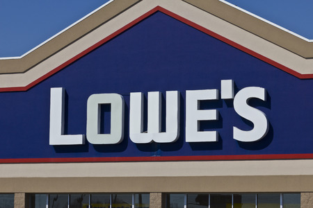 improvment: Indianapolis - Circa April 2016: Lowes Home Improvement Warehouse. Lowe�s Helps Customers Improve the Places They Call Home I