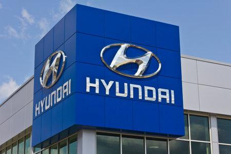 Indianapolis - Circa May 2016: Hyundai Motor Company Dealership. Hyundai is a South Korean Multinational Automotive Manufacturer II Editöryel