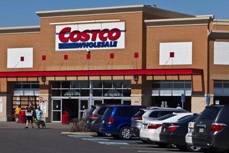 インディ アナポリス - 2016 年 4 月頃: コストコの場所。コストコは数十億ドルのグローバル小売私