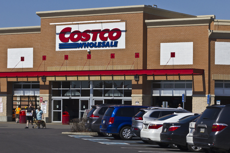 Indianapolis - Circa April 2016: Costco Wholesale Location. Costco Wholesale is a Multi-Billion Dollar Global Retailer I 報道画像