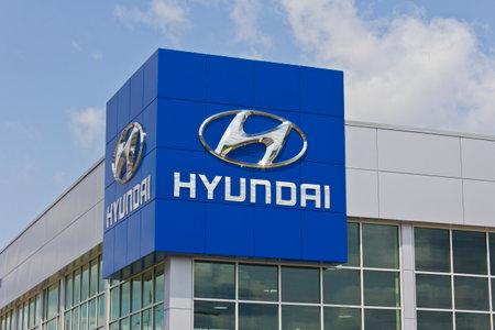 sonata: Indianapolis - Circa May 2016: Hyundai Motor Company Dealership. Hyundai is a South Korean Multinational Automotive Manufacturer I