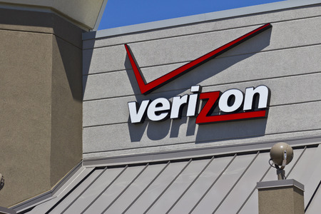 Indianapolis - Circa May 2016: Verizon Wireless Retail Location. Verizon is One of the Largest Communication Technology Companies IV