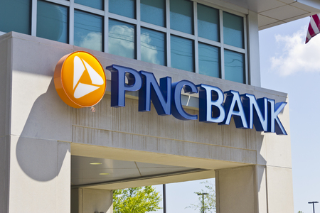 bank branch: Indianapolis - Circa May 2016: PNC Bank Branch. PNC Financial Services Offers Retail, Corporate and Mortgage Banking II Editorial