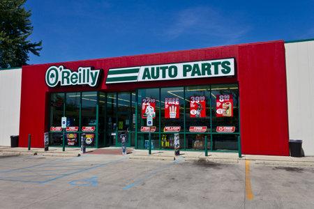 Logansport, IN - Circa juni 2016: O'Reilly Auto Parts Store. O'Reilly is een dealer en distributeur van auto-onderdelen II Redactioneel