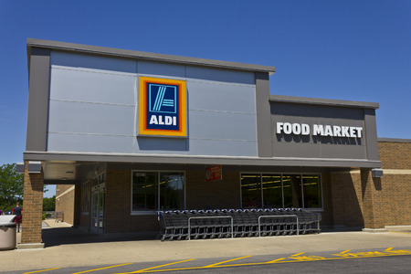 albrecht: Indianapolis - Circa June 2016: Aldi Discount Supermarket. Aldi sells a range of grocery items, including produce, meat & dairy, at discount prices VII