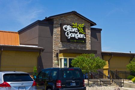 indianapolis circa june 2016 olive garden italian restaurant olive garden is a division - Olive Garden Indianapolis